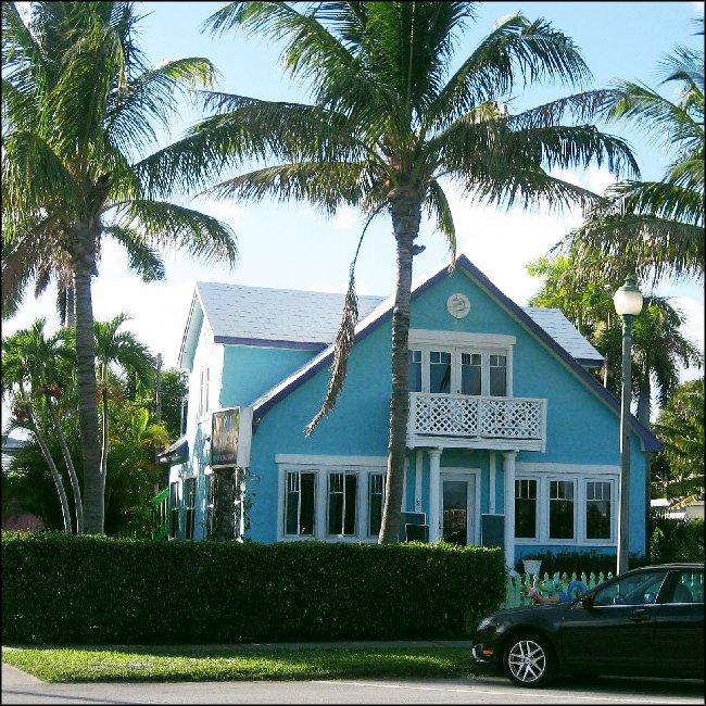 Parrot Cove Inn